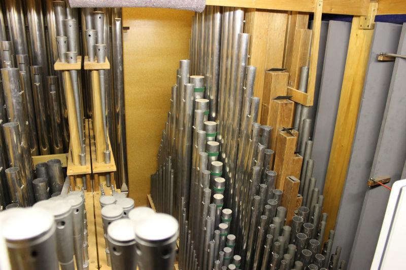 Gedacktregister im Inneren der Orgel