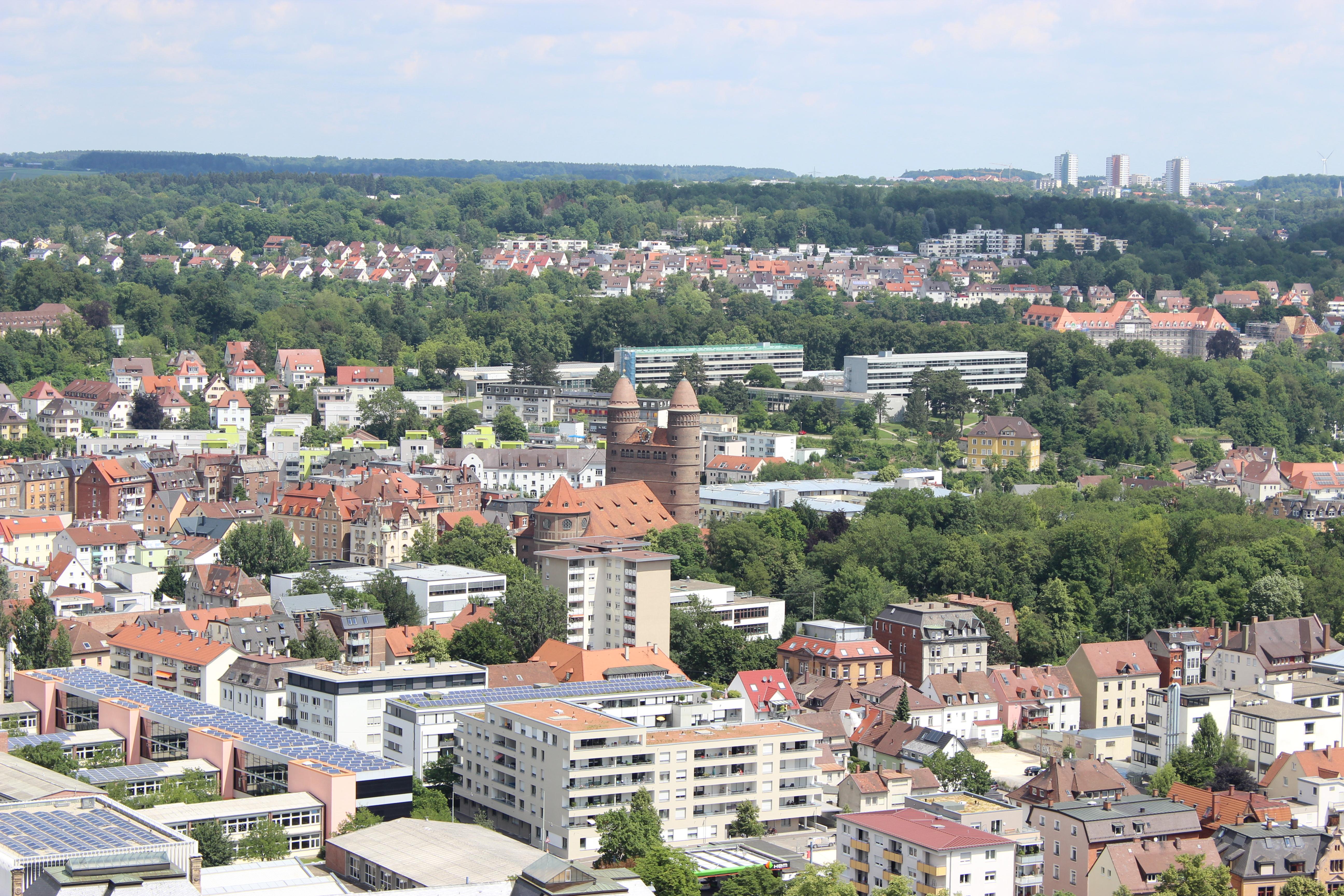 Ein Blick vom Münsterturm auf die Pauluskirche
